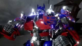 getlinkyoutube.com-3D TRANSFORMERS The Return of live action optimus prime!