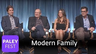 getlinkyoutube.com-Modern Family - A Cam and Phil Love Scene