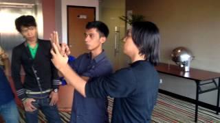 getlinkyoutube.com-Tujuh Dua - Delapan Setengah Workshop Profesional Stage Hypnosis di Solo (HD)