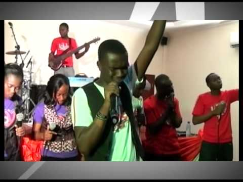 MY Love Gift 2011 Joe Mettle in Accra Tesano Ghana Live Gospel -AyRQyuG0vXY