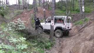 getlinkyoutube.com-Landmagia 2012 - Girl in offroad on a Defender 90