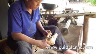 getlinkyoutube.com-แกะสลักช้างขั้นเทพพี่เค้าเก่งเวอร์ ช่างแกะสลักไม้ Amazing wood carving Thailand Lampoon