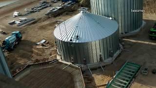 getlinkyoutube.com-Zeitraffer-Video - Neubau großer Getreidesilos zur Getreideernte. Grain Systems Silo Installation