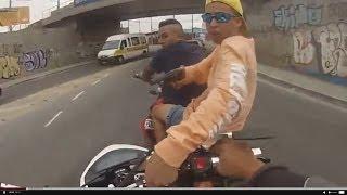 getlinkyoutube.com-Ladrão se dar mal ao roubar moto hornet.
