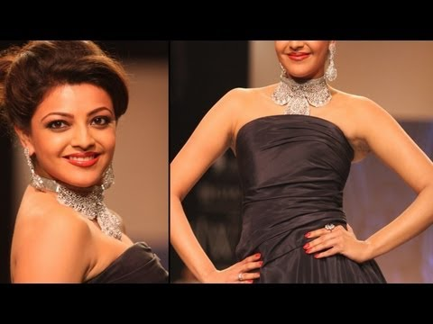 Kajal Aggarwal Sexy Figure In Black Hot Gown