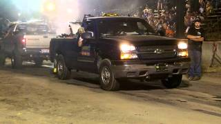 getlinkyoutube.com-Chevy 1500 vs Dodge 2500