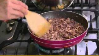 getlinkyoutube.com-可果美一番咖哩vs MASA主廚創意料理食譜-『紅酒蕃茄咖哩鐵路便當』