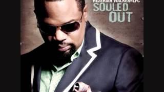 getlinkyoutube.com-Hezekiah Walker God Favored Me Ft  Marvin Sapp And DJ Rodgers with lyricsHQ   YouTube