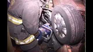 WARNING!! Graphic Video Chicago 37th & Ashland DUI Rollover/Heavy Pin In of Passenger