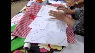 getlinkyoutube.com-20120213 CUSTOMIZACAO EM PANO DE PRATO 1