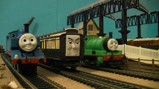 getlinkyoutube.com-(Hornby) Thomas, Percy & Old Slow Coach: Remake