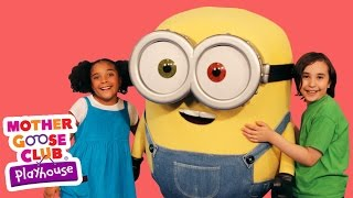 getlinkyoutube.com-The Wheels on the Bus Featuring Minions! | Mother Goose Club Playhouse Kids Video