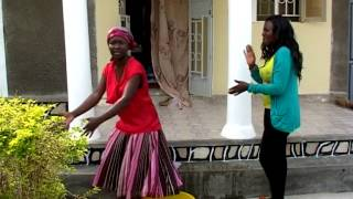 getlinkyoutube.com-The impossible housemaid - Kansiime Anne - African Comedy.