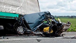 getlinkyoutube.com-Śmiertelny wypadek w Sarnowie na DK11 - 22.03.2016  Lądowanie LPR.