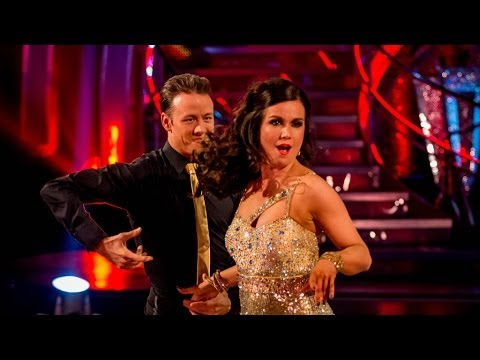 Susanna Reid & Kevin dance the Cha Cha to 'Hound Dog' - Strictly Come Dancing: 2013 - BBC One