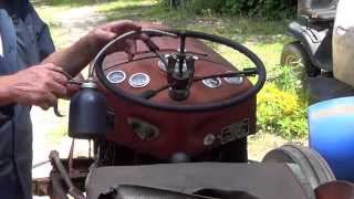 getlinkyoutube.com-Massey Ferguson 35 Steering Box Removal Part 1