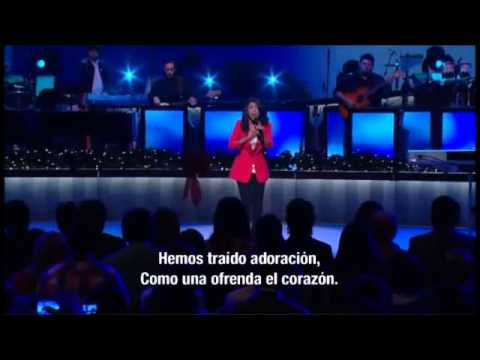lilly goodman solo tu navidad in lakewood church
