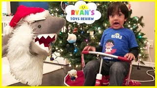 getlinkyoutube.com-Bad Santa Pet Shark Attack! Magic transform into Christmas Present! Kid Prank Toy Shark eat Snack