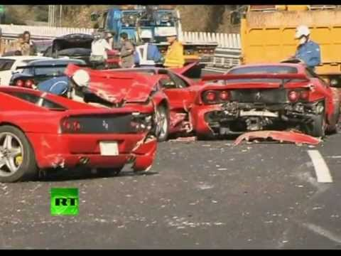 Video youtube of 14 supercar pile-up in Japan