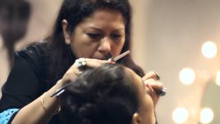 getlinkyoutube.com-Lakmé Salon Bridal Show by Neeta Lulla
