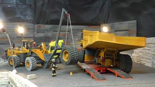 getlinkyoutube.com-RC CONSTRUCTION SITE ACCIDENT, RC 100T DUMPTRUCK ACCIDENT