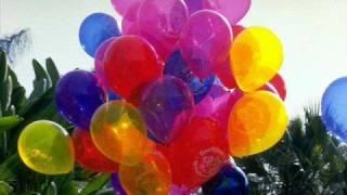 getlinkyoutube.com-I Love Balloons!  The Raytones!  Sing-along video!