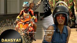getlinkyoutube.com-Pembalap Wanita Membawa Host Dahsyat Balap [dahSyat] [19 September 2016]