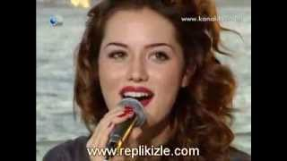 getlinkyoutube.com-Fahriye Evcen |Фахрийе Эвджен поет песню Eglen Guzelim