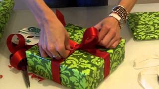 getlinkyoutube.com-How to Wrap The Perfect Christmas Present - The Bow