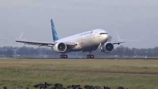 getlinkyoutube.com-Garuda Indonesia - Boeing 777-300 ER - Perfect quick landing at AMS (PK-GIA)