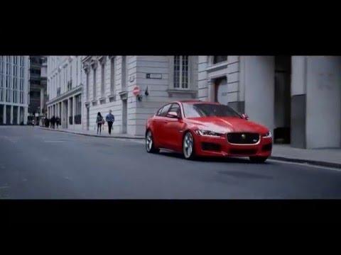 Jaguar XE | Управління без рульового колеса з InControl Touch