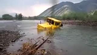 getlinkyoutube.com-Un tracteur russe indestructible - An indestructible Russian tractor