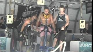 getlinkyoutube.com-Three Wise Cousins - Bungy Jumping in New Zealand (Vito)