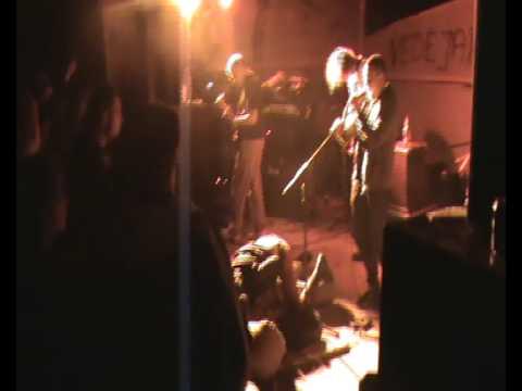 girtos pankes doda vaizdu (Symphony of Destruction)