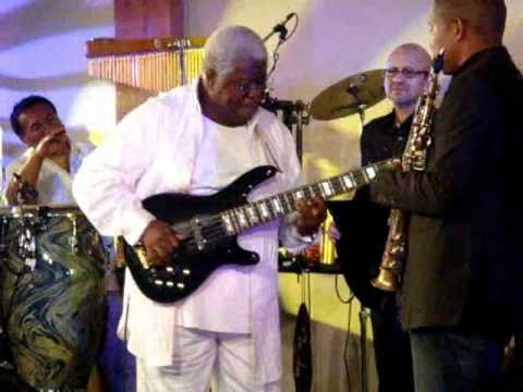 Abraham Laboriel Bass Solo in AMEC