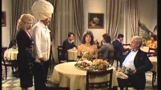 getlinkyoutube.com-Voll daneben! Gags mit Diether Krebs - Folge 03+04 (1990)