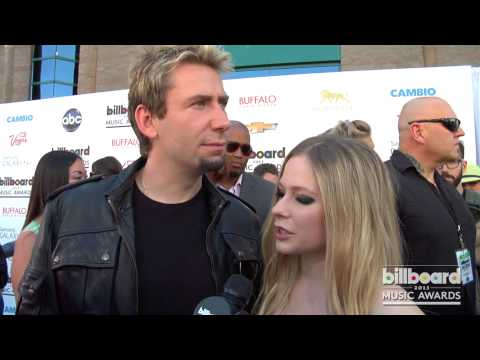Chad Kroeger and Avril Lavigne on the 2013 Billboard Music Awards Blue Carpet