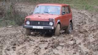 getlinkyoutube.com-niva vs Pajero vs UAZ offroad mud
