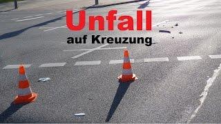 Hamburg: Unfall auf Kreuzung (28.03.2016)