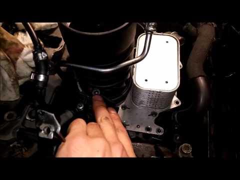 002(4) замена фильтра (масла) в двигателе Audi Q7,A6,VW Touareg