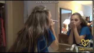Maddie and Chloe get ready for the Teen Choice Awards