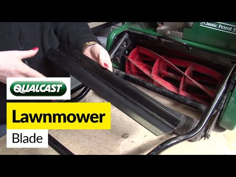 How to replace a Qualcast blade on a Classic Petrol 35s lawnmower
