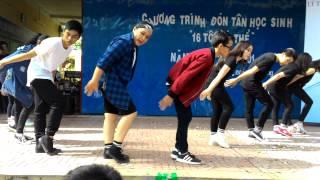 getlinkyoutube.com-Nhảy hiện đại - Chương trình đón tân học sinh 2015