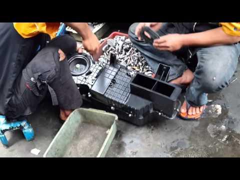 Video Daihatsu Terios ~ SERVICE AC MOBIL TOYOTA RUSH plus PASANG CABIN FILTER YouTube