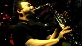 getlinkyoutube.com-Koh Mr. Saxman - Saxophone pub (2012) Thailand