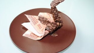 getlinkyoutube.com-Servietten falten: Schwan napkin folding swan