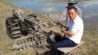 getlinkyoutube.com-การเตรียมแปลงนา(ลูกทุบ) (Preparation of paddy field by Thai style rotary in Thailand)