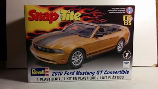 getlinkyoutube.com-2010 Mustang Kit review 1/25 scale Revell Snap Tite