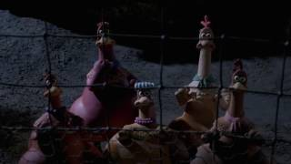 getlinkyoutube.com-Chicken Run-Opening Film Soundtrack scene
