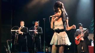 getlinkyoutube.com-Amy Winehouse - Valerie - Live HD